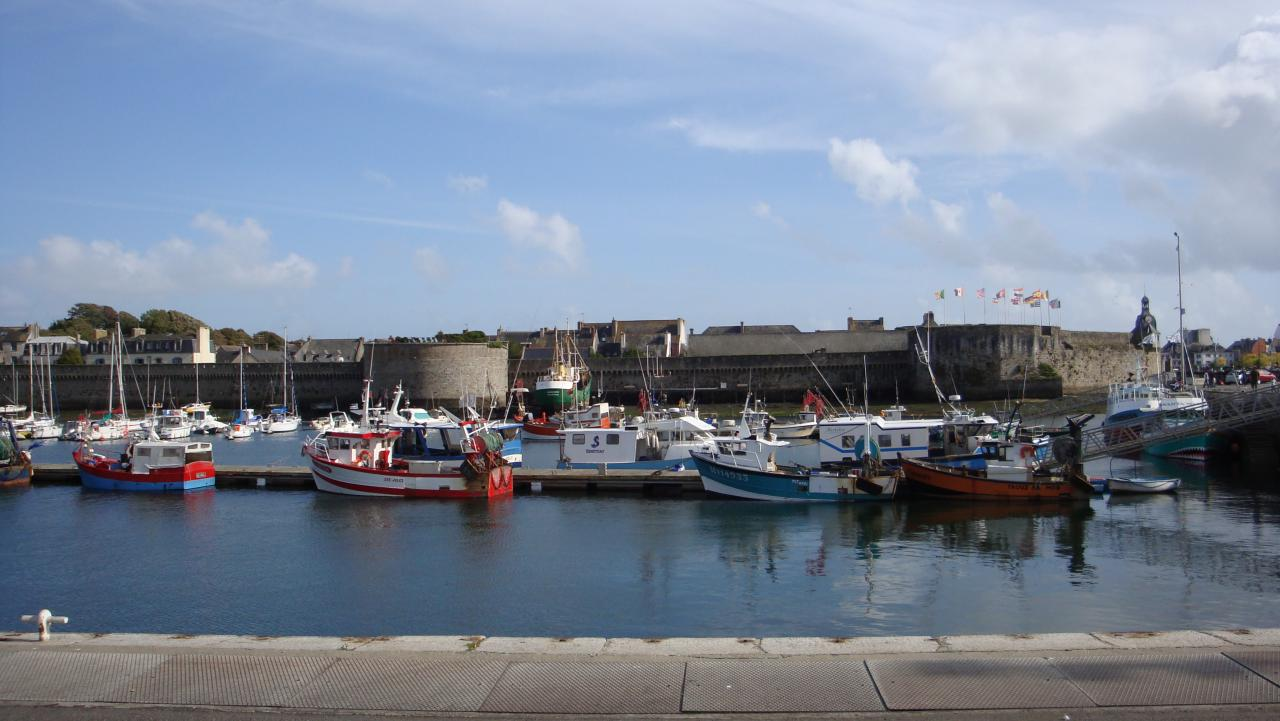 LE PORT DE CONCARNEAU ET LA VILLE CLOSE